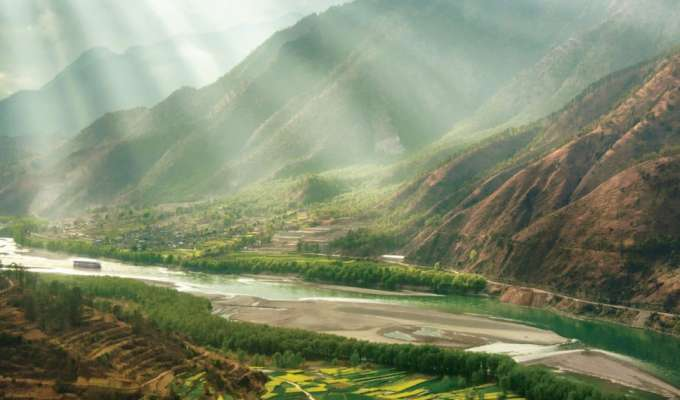 Elvecruise i Laos