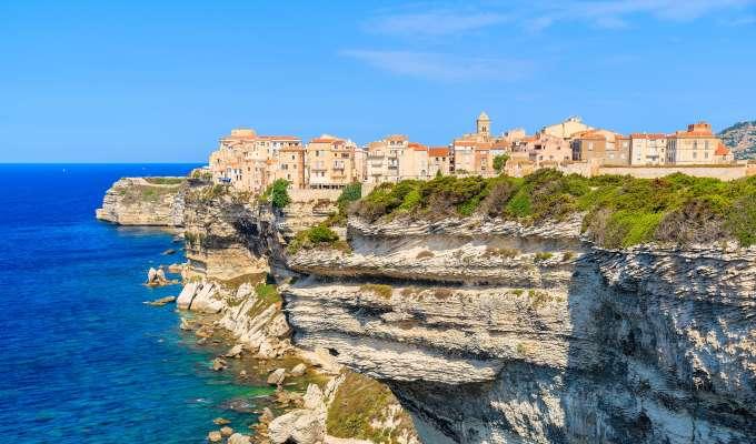 Cruise rundt vakre Korsika