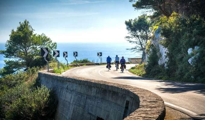 Lätt cykling på Italiens klack